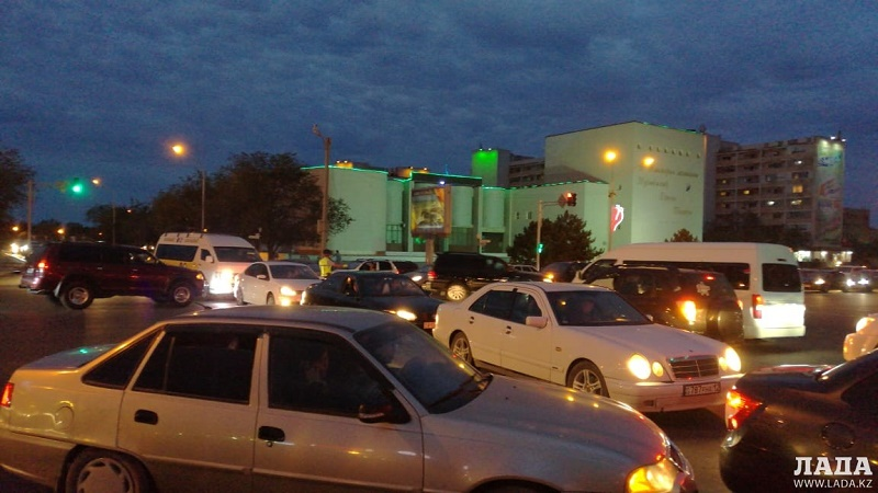 Актау «встал» в дорожных заторах после саммита