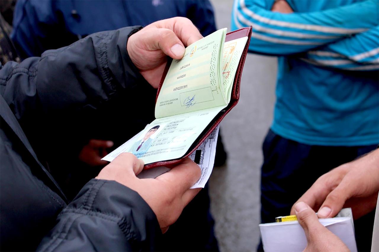 В Атырау к ответственности привлекли 384 иностранцев