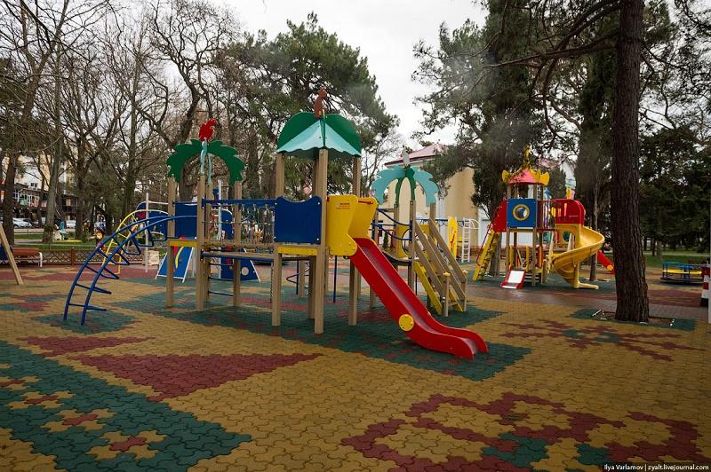 В ВКО сельчане за свой счет построили детский парк