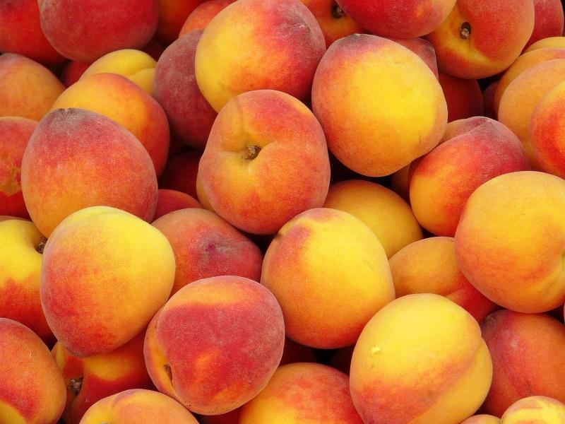 Россельхознадзор просит Казахстан объяснить рост поставок персиков в РФ