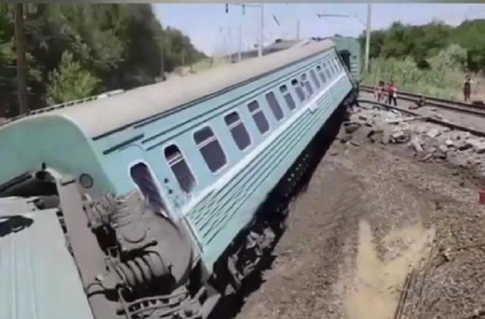 Опрокинулись вагоны пассажирского поезда Астана-Алматы, есть пострадавшие