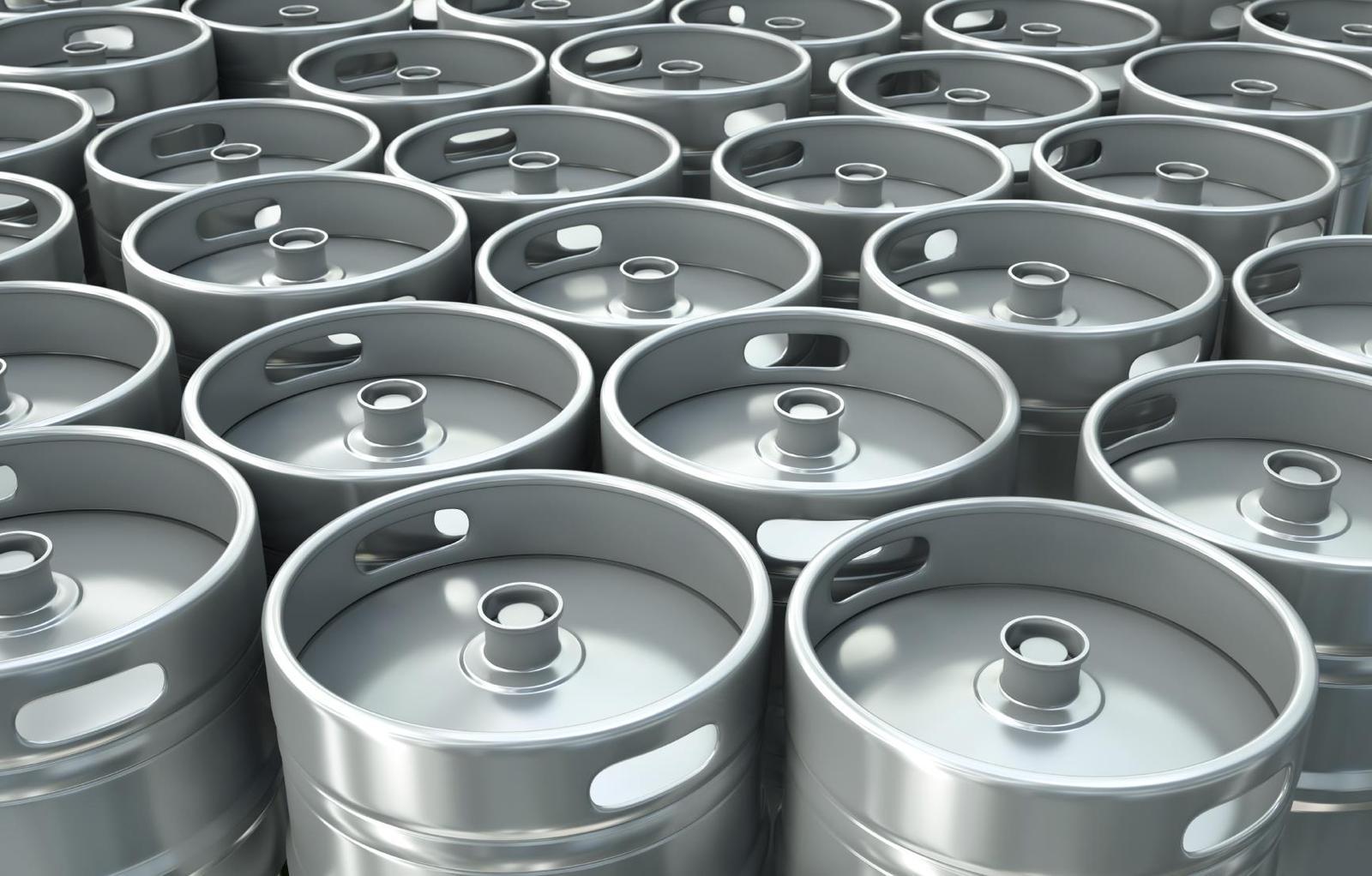Металлические кеги на 9 млн тенге украл водитель пивной компании в ВКО
