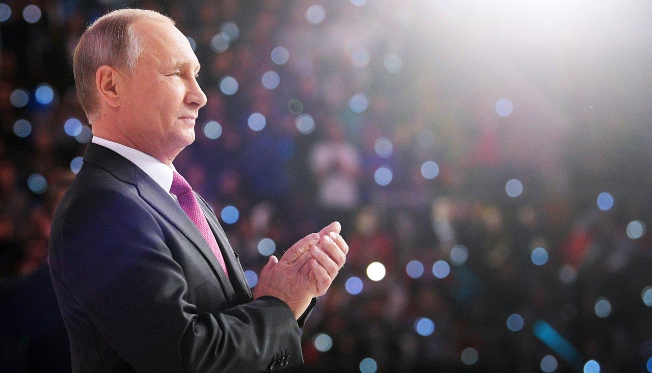 Нурсултан Назарбаев лично поздравил Путина по телефону