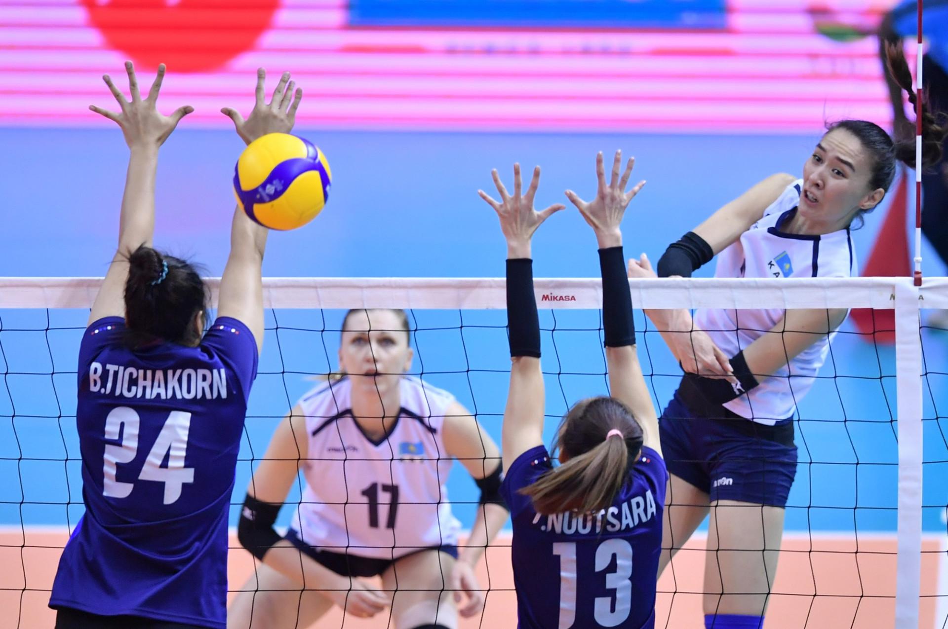 Казахстанские волейболистки поборются за бронзу отборочного турнира