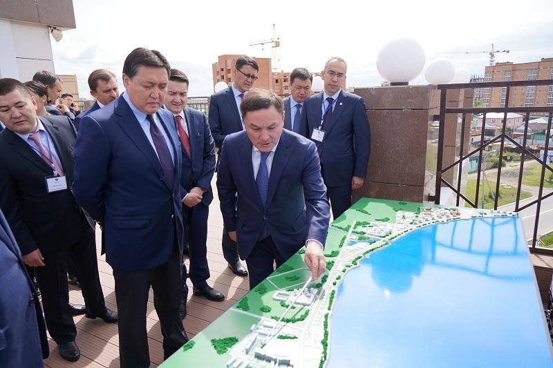 Аскар Мамин ознакомился с реализацией инвестпроектов в Акмолинской области