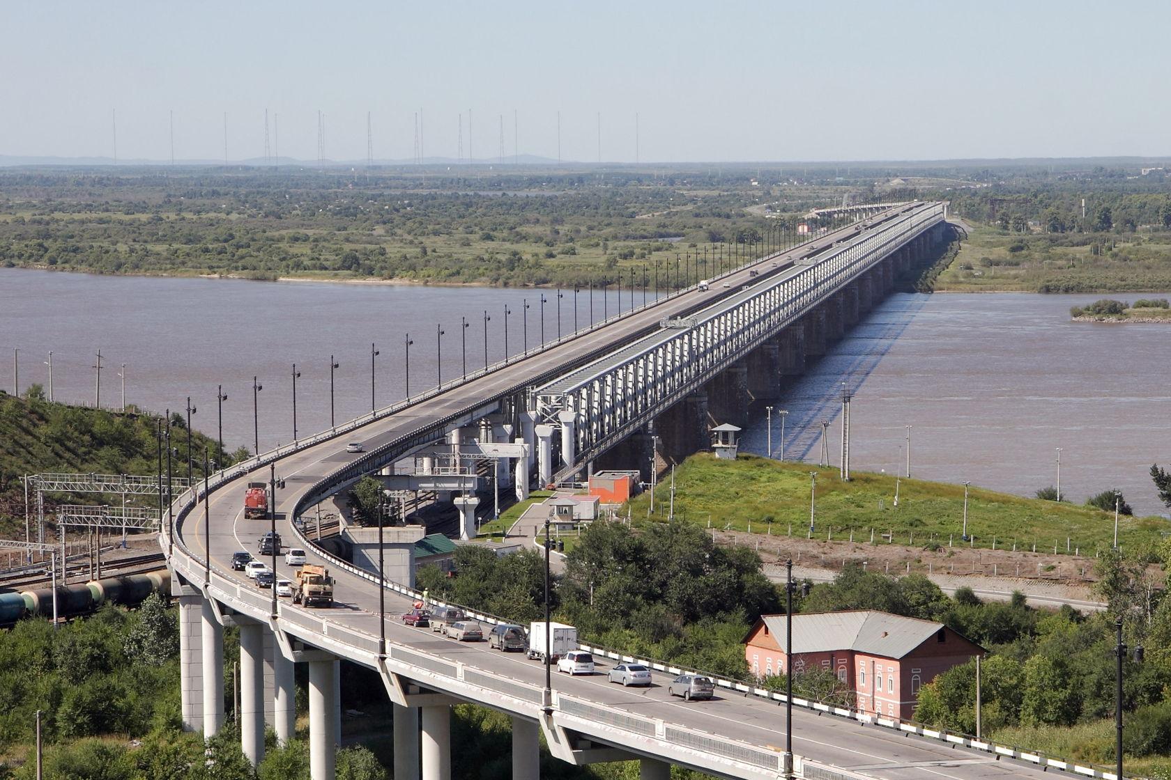 Китай завершил строительство своей части ж/д моста через Амур