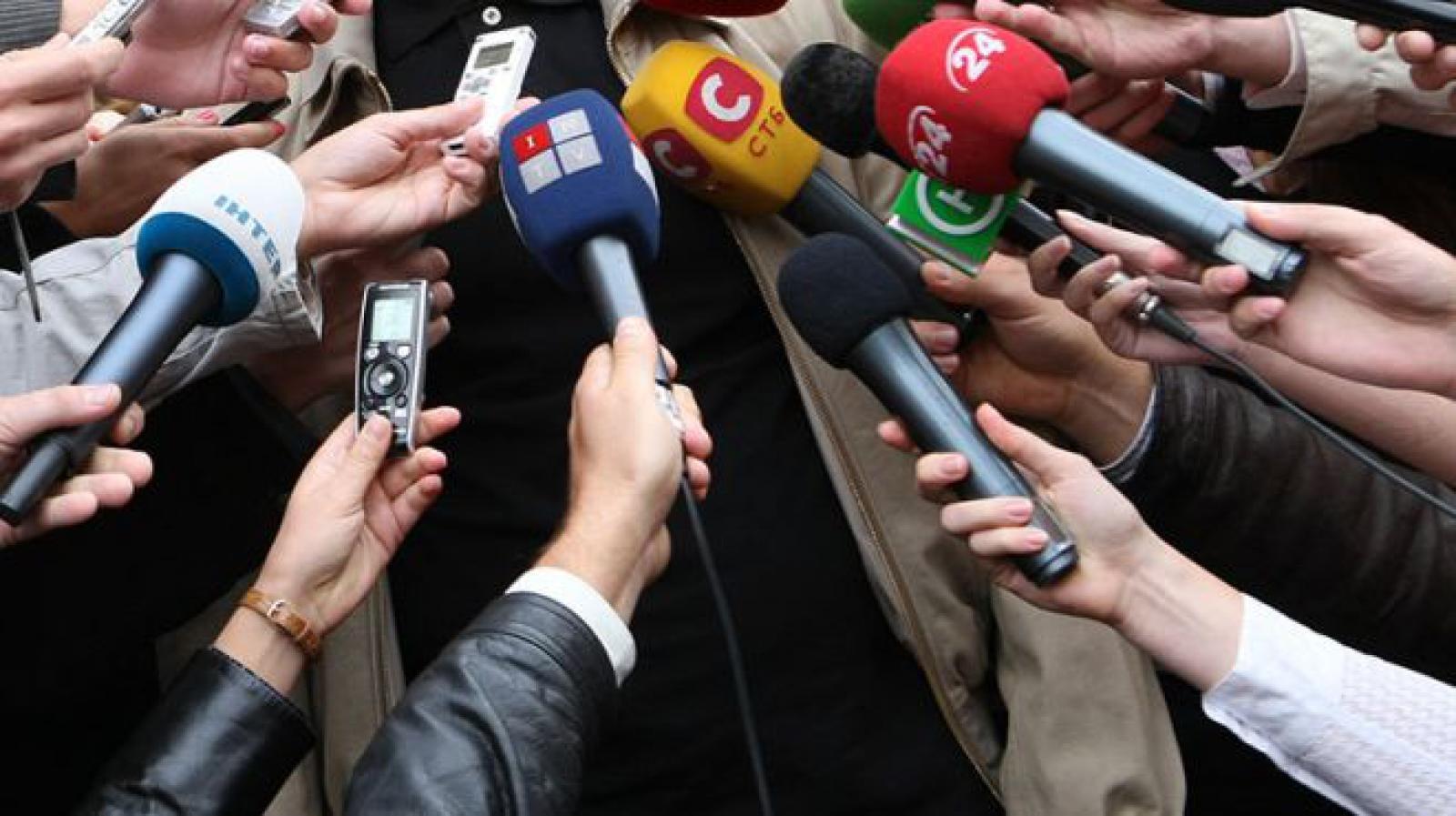 Новые правила аккредитации журналистов в РК пока не вступят в силу