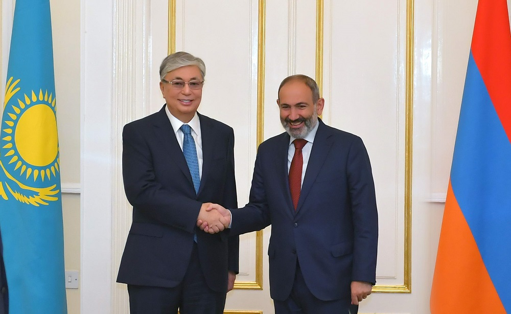 Касым-Жомарт Токаев встретился с премьер-министром Армении Николом Пашиняном