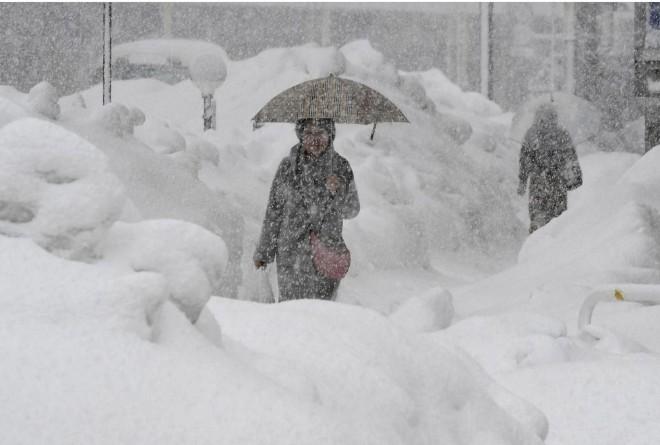 В Австрии и Германии семь человек погибли из-за снегопада