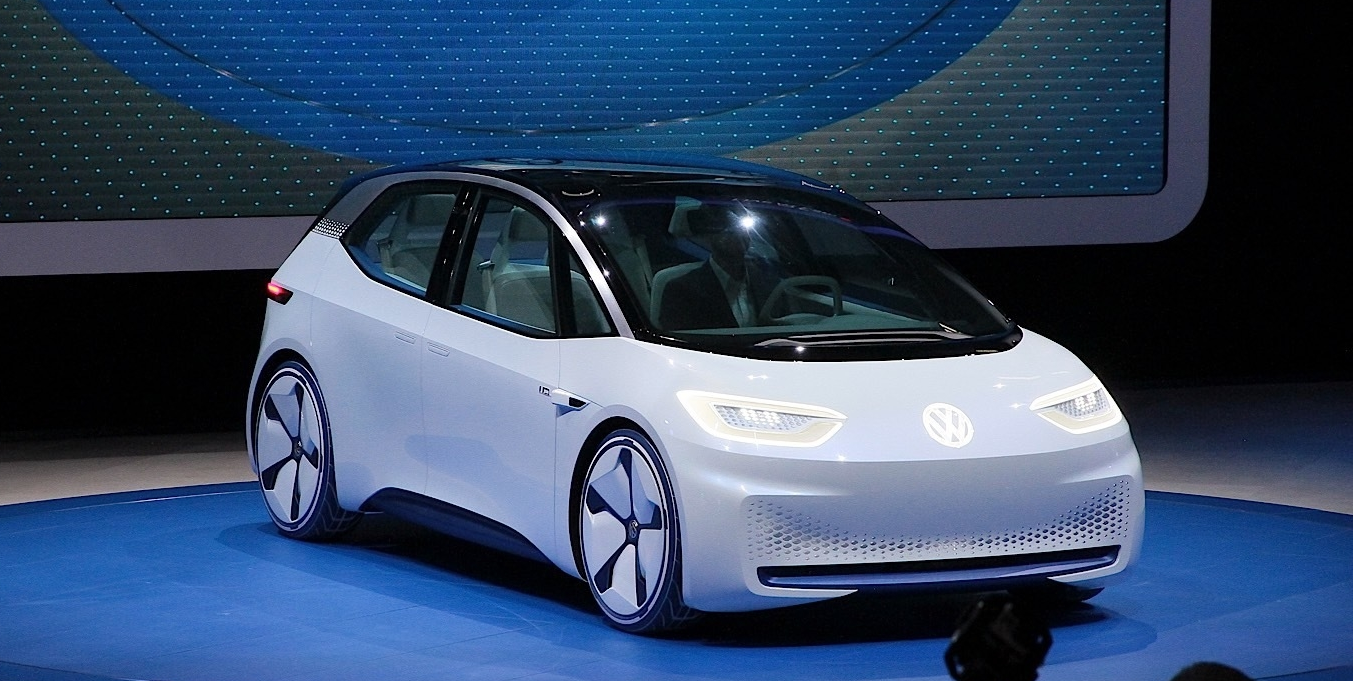 Volkswagen переведет два завода на производство электромобилей