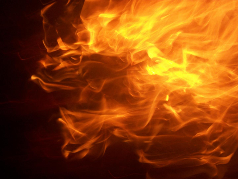 В Актобе произошел пожар на рынке