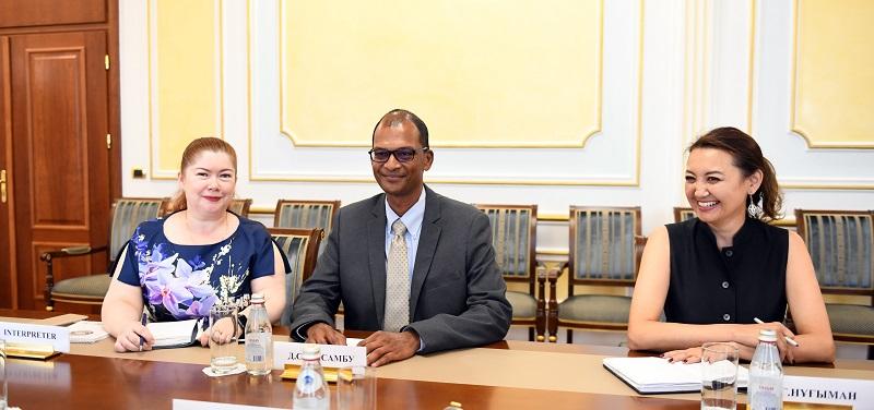 Глава МИД встретился с управляющим директором ExxonMobil в Казахстане