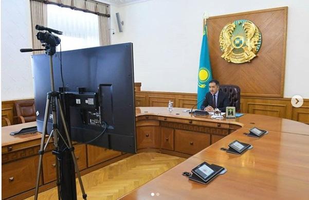 Бакытжан Сагинтаев провел онлайн-совещание с главврачами больниц Алматы