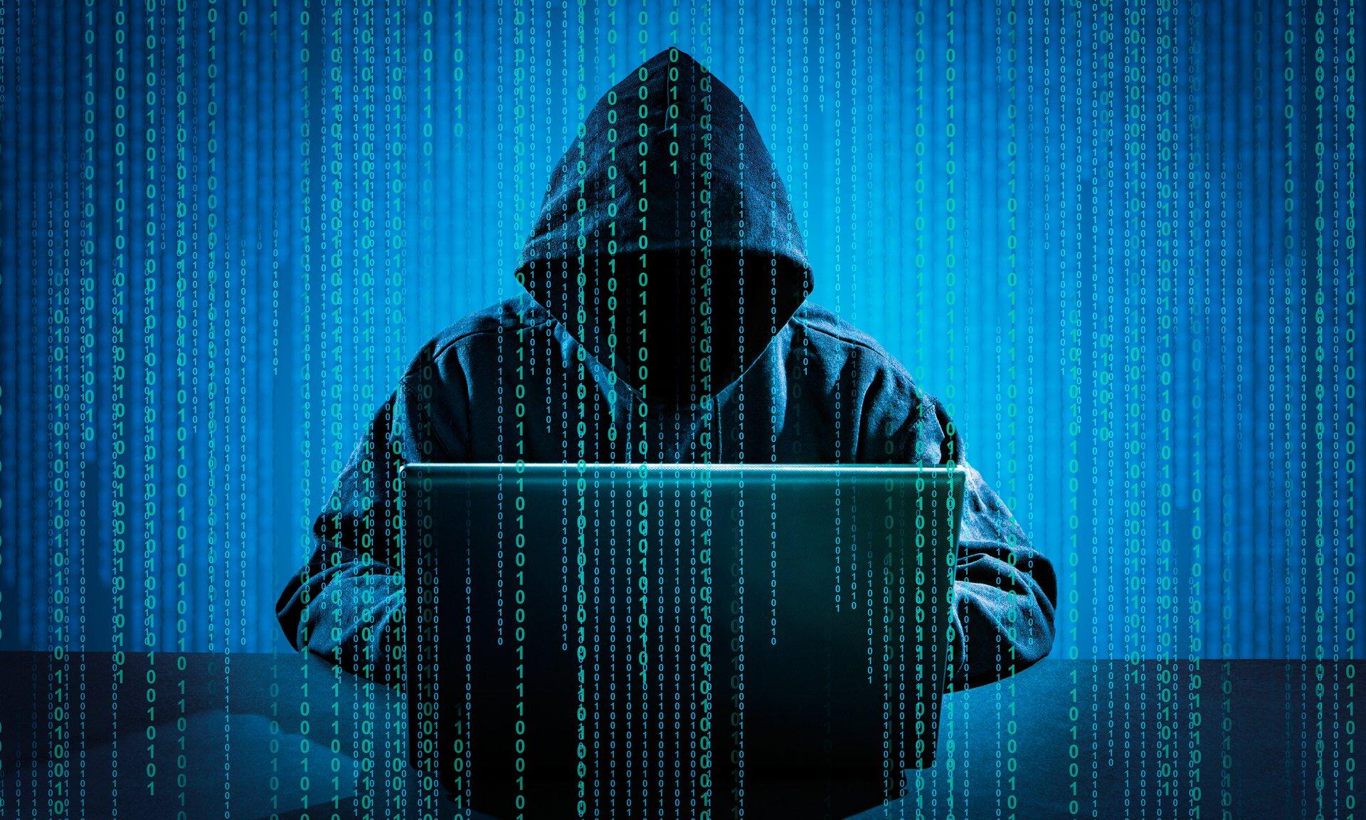Хакер из СКО крал деньги с банковских карт казахстанцев