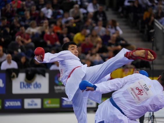 Данияр Юлдашев вышел в финал Премьер-лиги по каратэ в Дубае