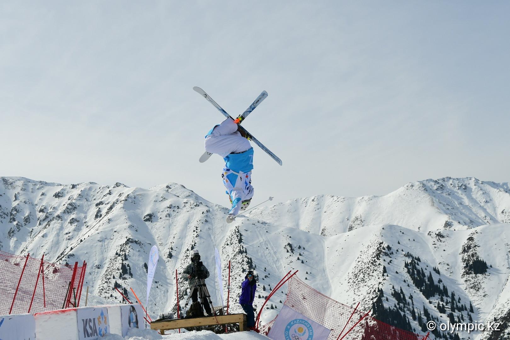 Юлия Галышева завоевала золотую медаль на этапе Кубка мира по могулу в Алматы