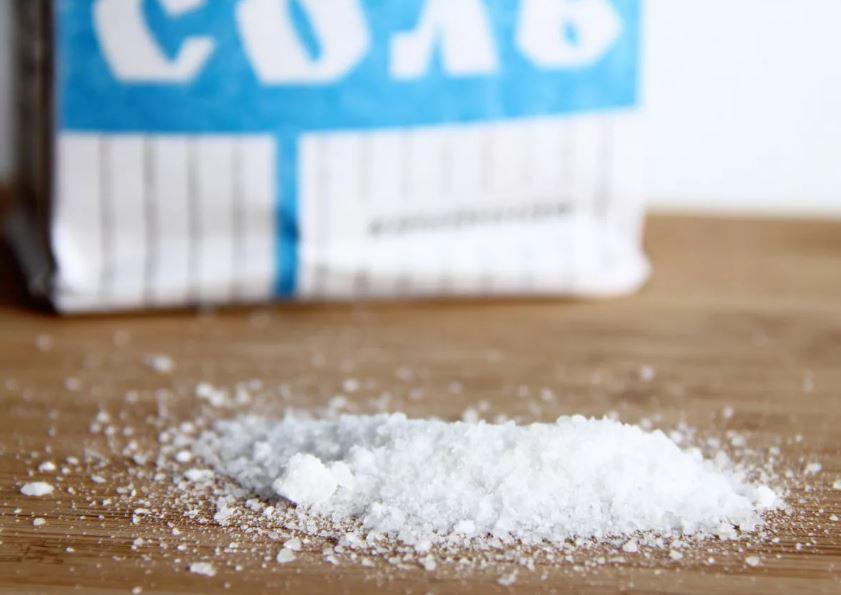 Минздрав РФ установил рекомендованный уровень суточного потребления соли