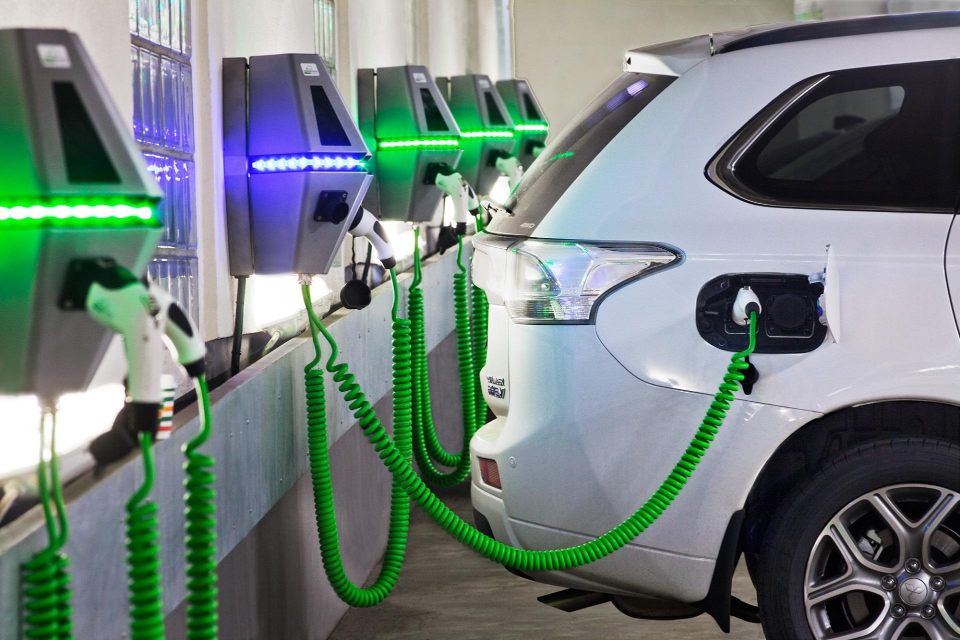 Dyson начнет производить электромобили в Сингапуре