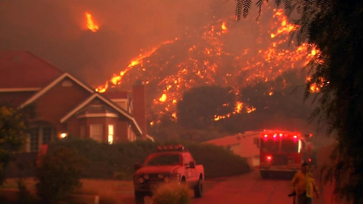 В Калифорнии локализовали самый крупный пожар в истории штата