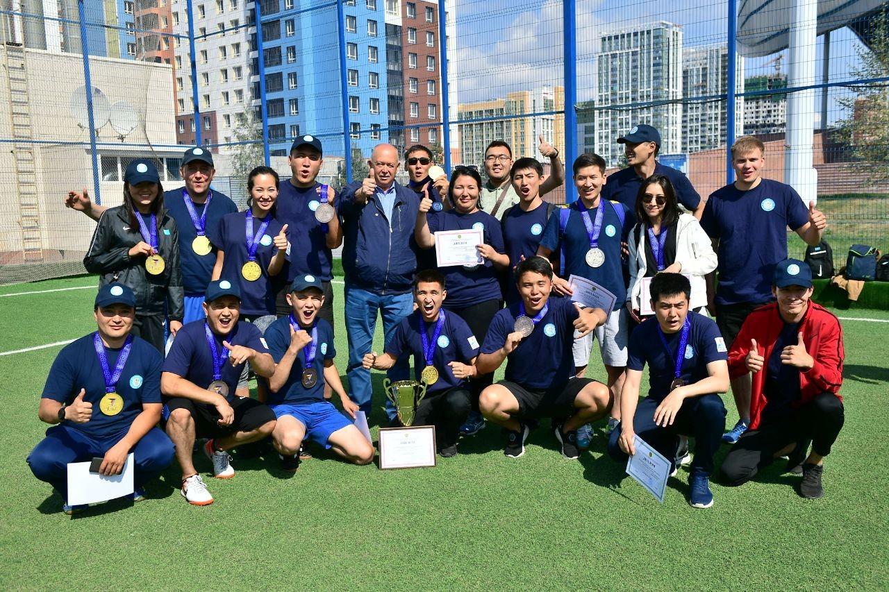 Команда НОК приняла участие в спартакиаде ко Дню спорта