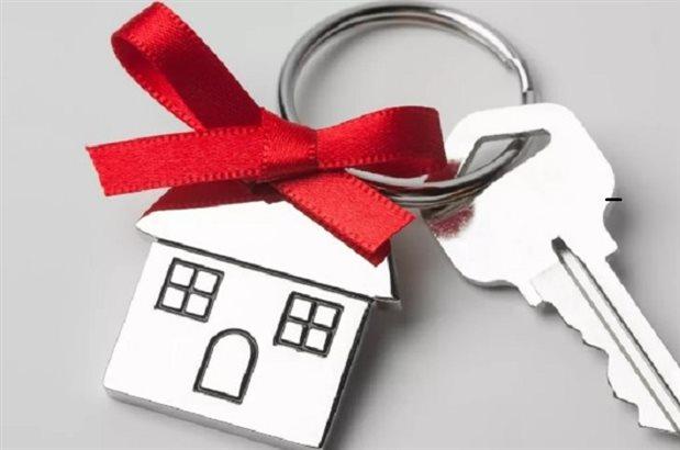 Бизнесмены Шымкента подарили квартиру многодетной семье