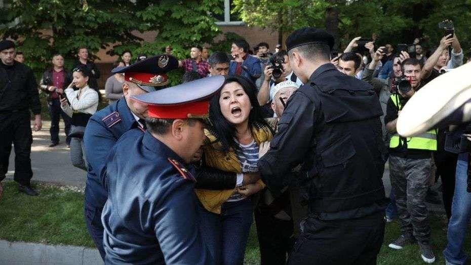 Полицейских обучат переговорам с митингующими