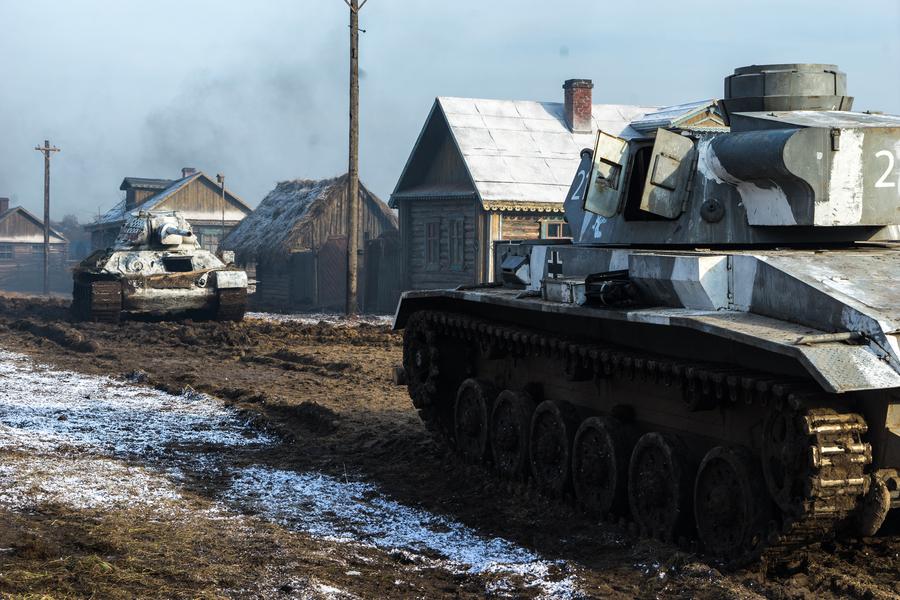 Фильм «Т-34» возглавил российский прокат в первый уикенд года