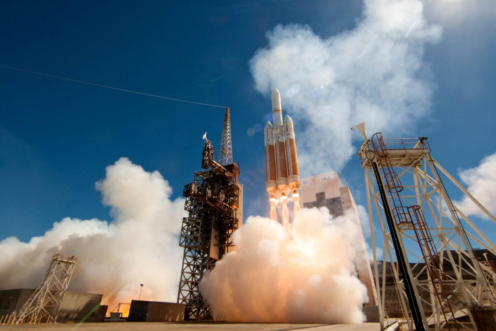 Казахстан планирует запустить два спутника из Калифорнии