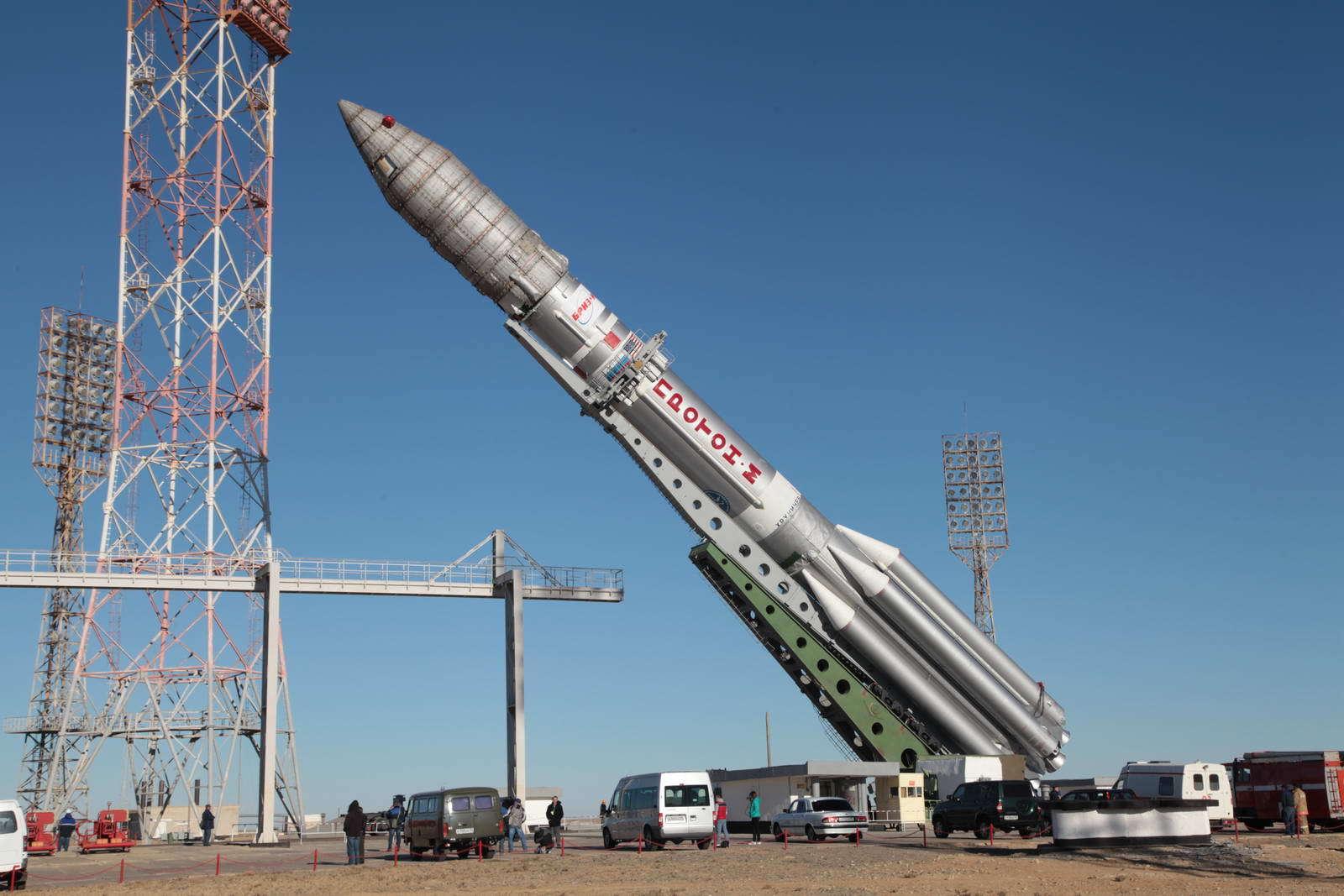"""Стартовавшая с Байконура ракета """"Протон"""" вывела на орбиту российский военный спутник"""