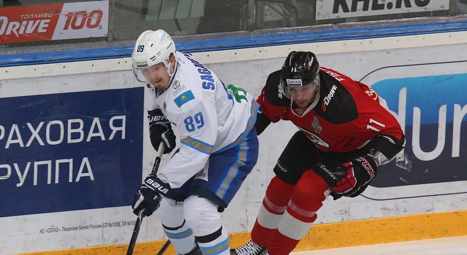 Плей-офф КХЛ: «Барыс» проиграл матч с двумя сотрясениями