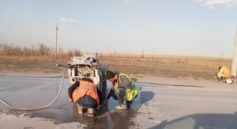 Бетон штопаный VII: на дороге Темиртау – Караганда демонтируют плиты с трещинами