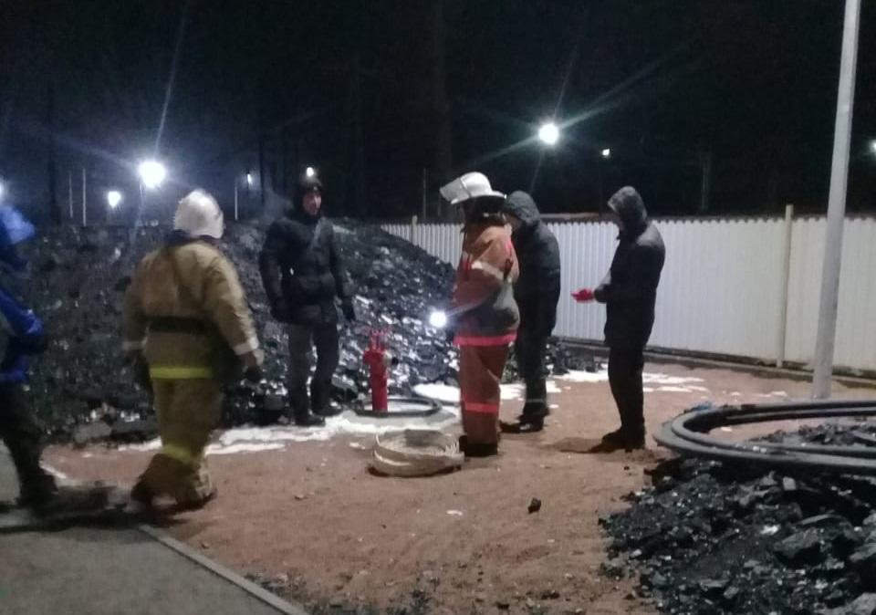 На станции Сарышаган ликвидирован пожар на угольном складе школы