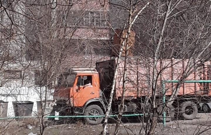 Горожане Семея жалуются на не уборку мусора в городе