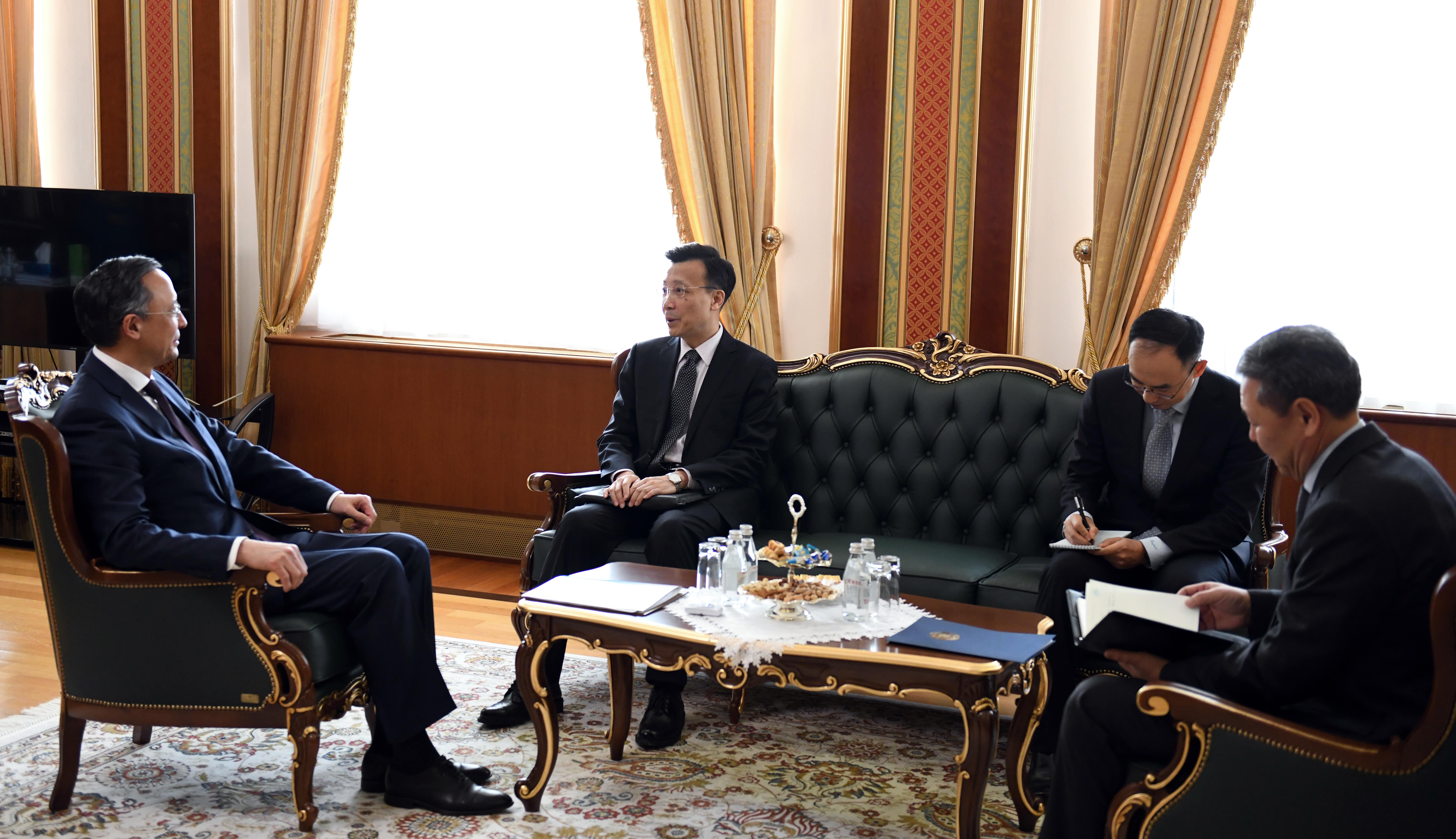 Глава МИД РК на встрече с послом КНР поставил вопрос возобновления выдачи виз