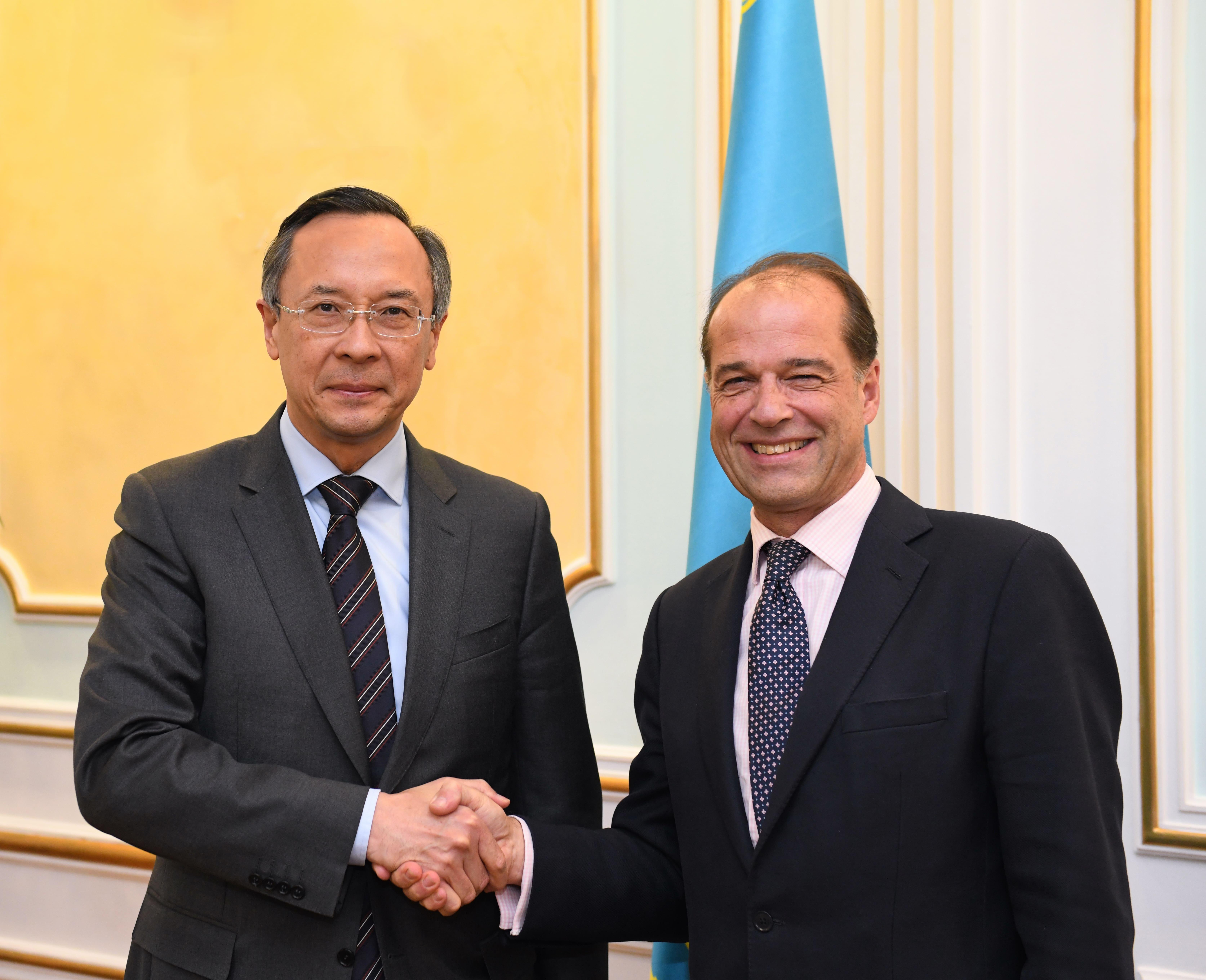 Казахстан и Великобритания намерены укреплять торгово-экономическое сотрудничество в высокотехнологических сферах