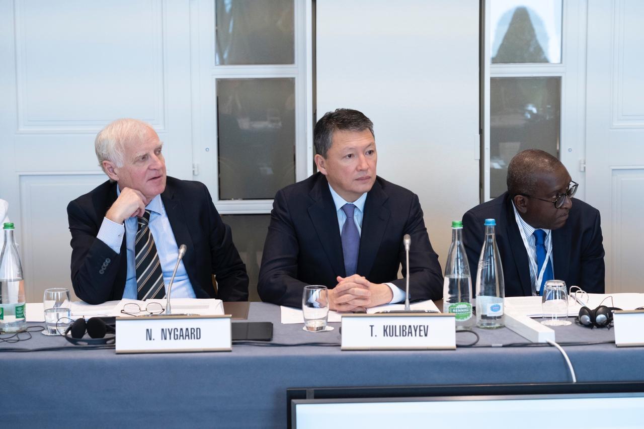 Тимур Құлыбаев ХОК комиссиясы мен ҰОКҚ атқарушы комитетінің отырысына қатысуда