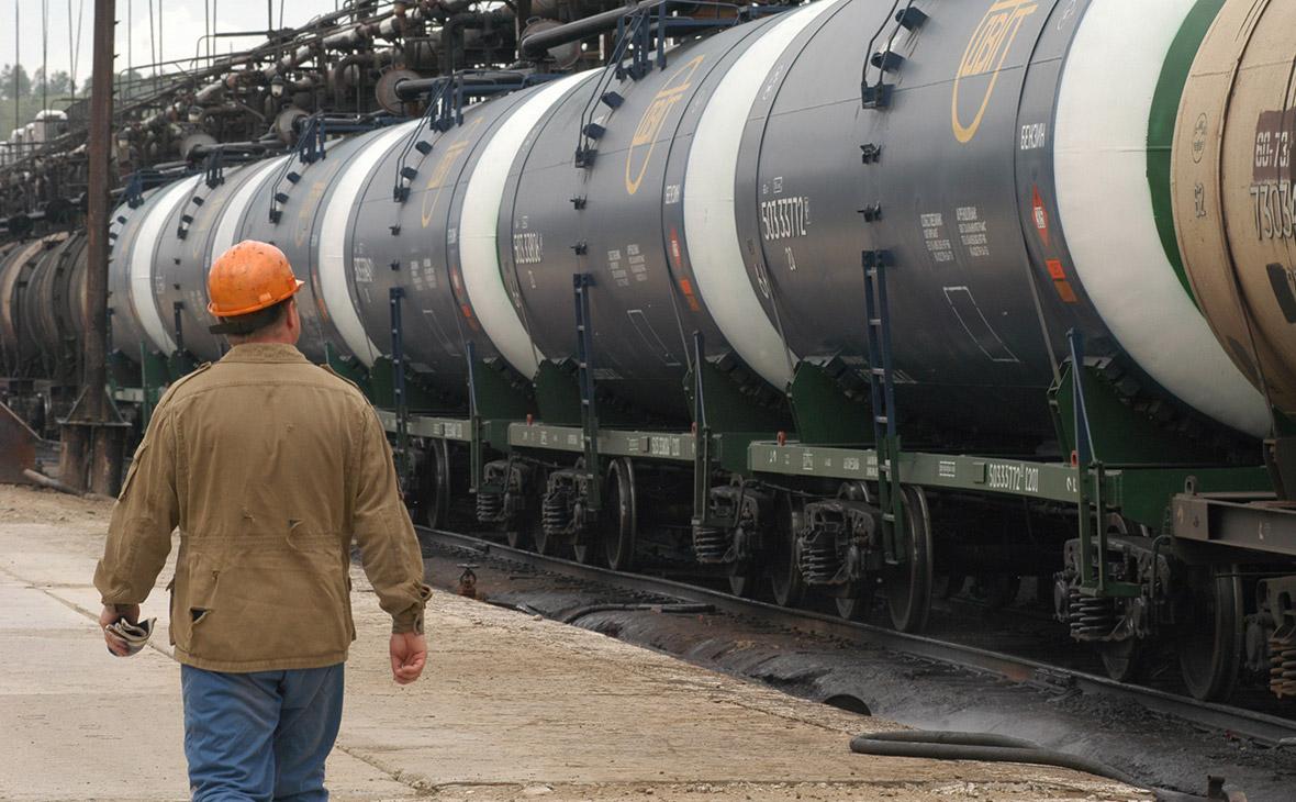 Казахстан намерен вновь ввести временный запрет на ввоз бензина из РФ ж.-д. транспортом