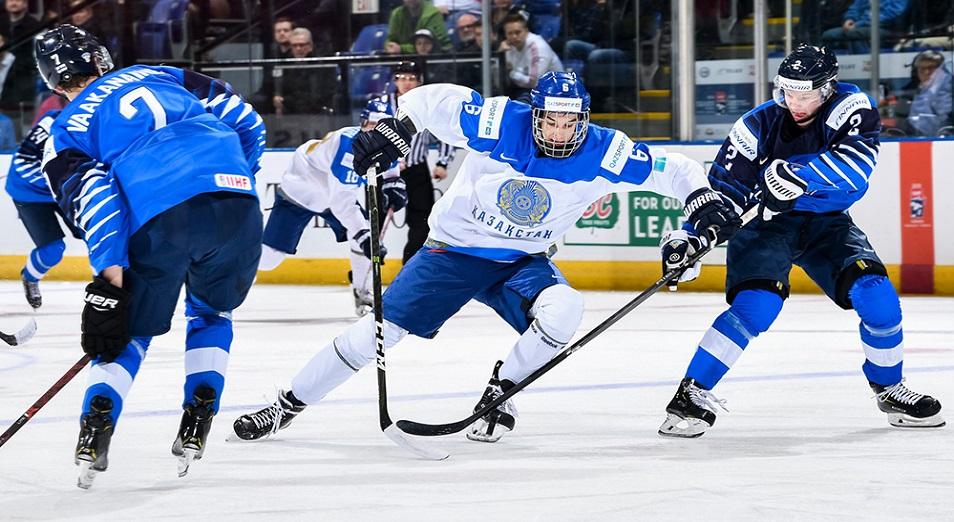 Жас хоккейшілеріміз Әлем чемпионатында екі рет ұтылды