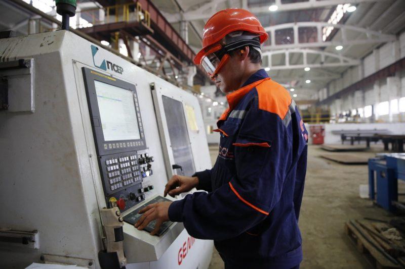 В Атырауской области более десяти тысяч работников получают около 40 тыс. тенге в месяц