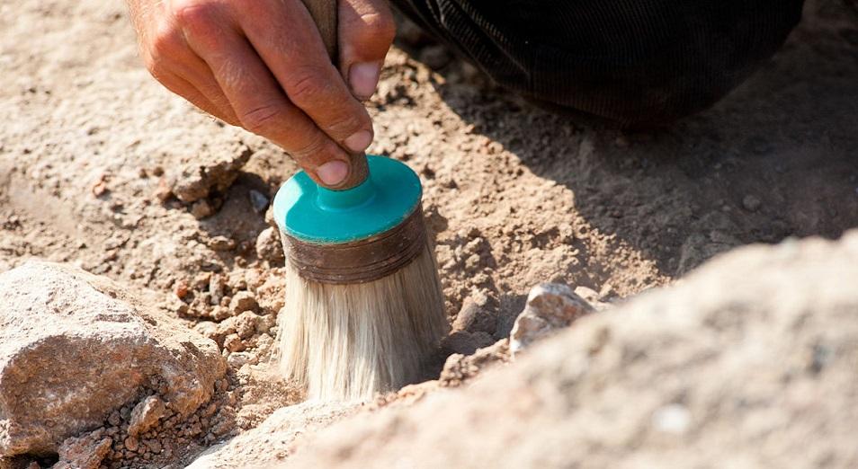 Қазылған жерді көмбей я қоршамай кететін археологтар жазаланады