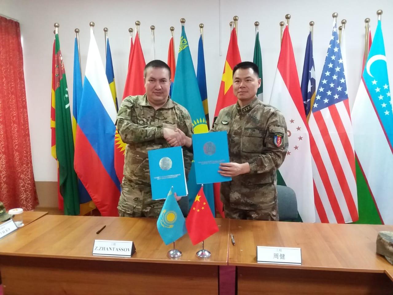 Казахстан и Китай проведут совместные антитеррористические учения «Охота на лис»