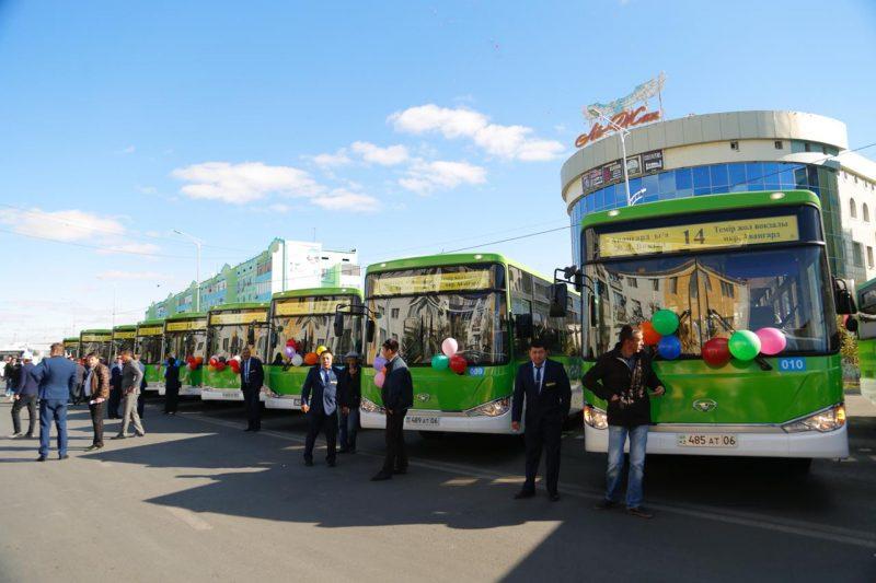 В Атырау ко Дню города приобрели 20 новых автобусов