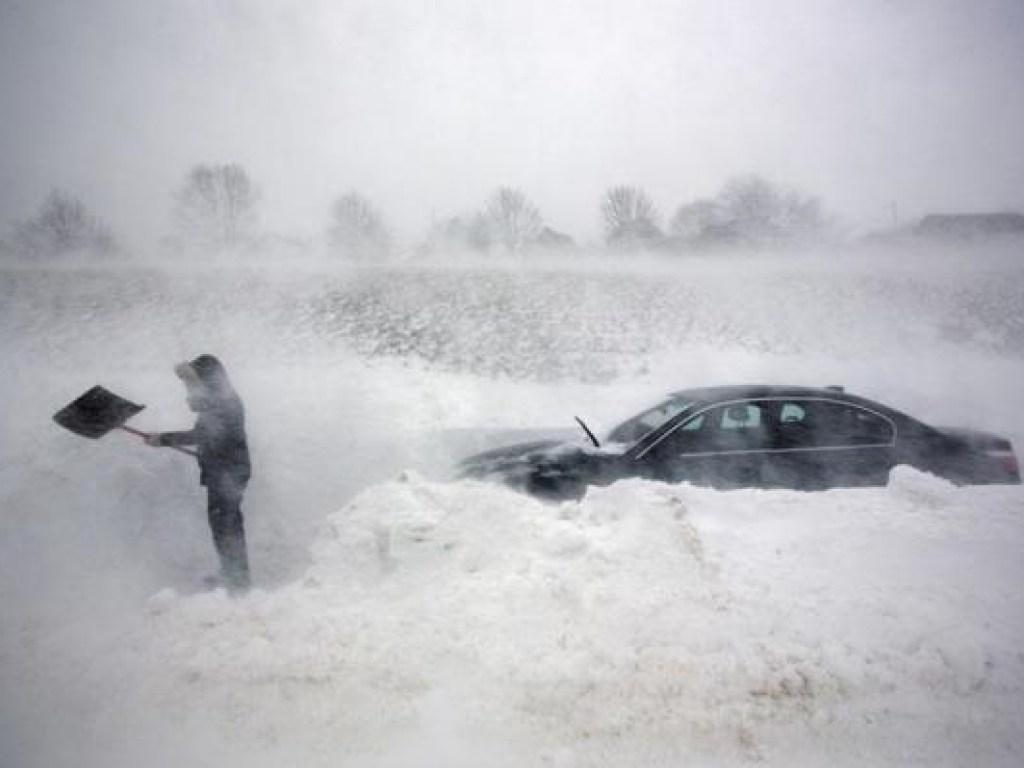 В Казахстане из-за непогоды эвакуировали с трасс более 230 человек