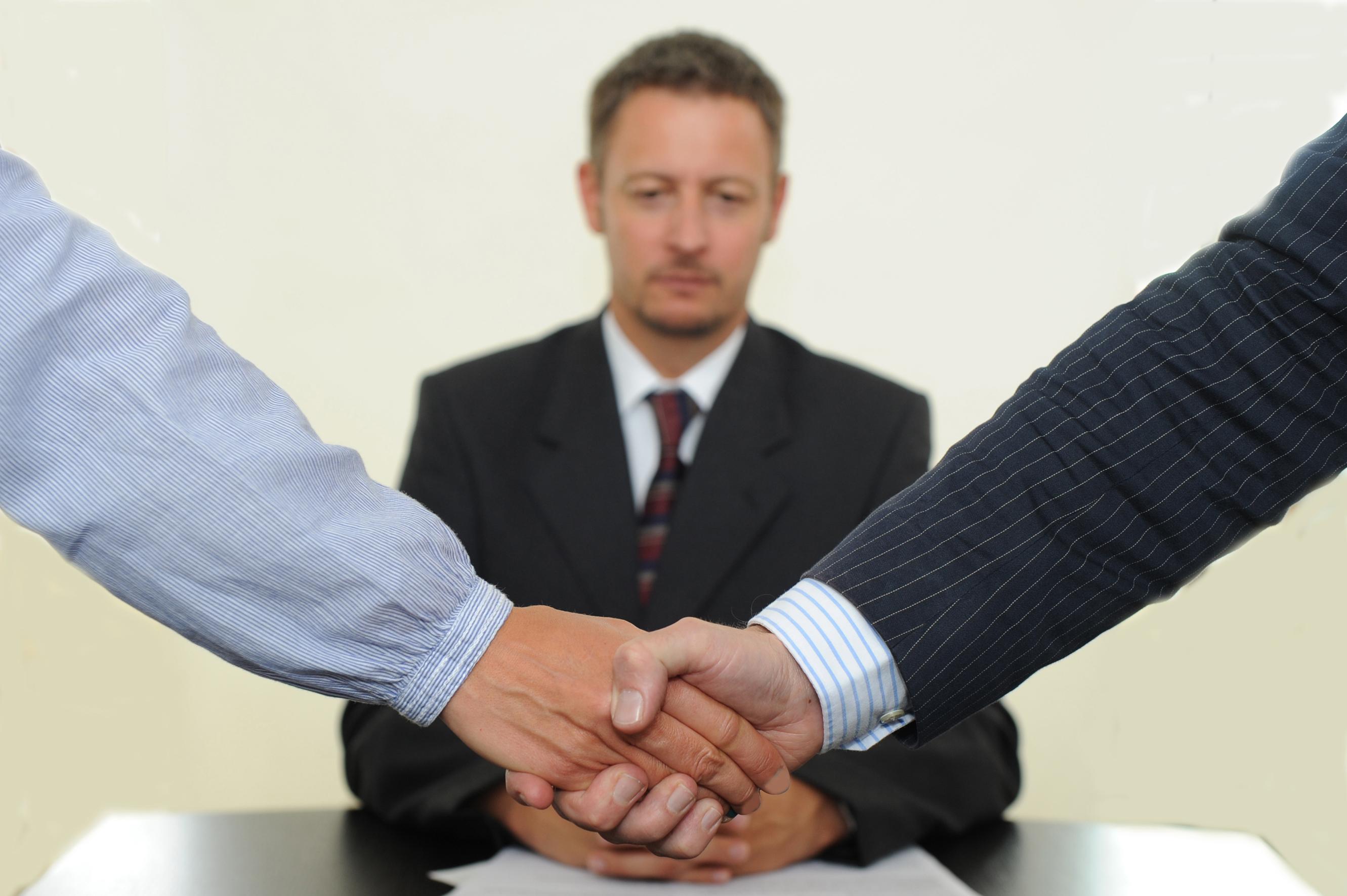 prokurory-predlagayut-subsidirovat-uslugi-mediatorov