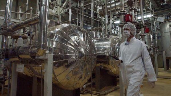 Иран грозит возобновить программу обогащения урана в случае провала СВПД