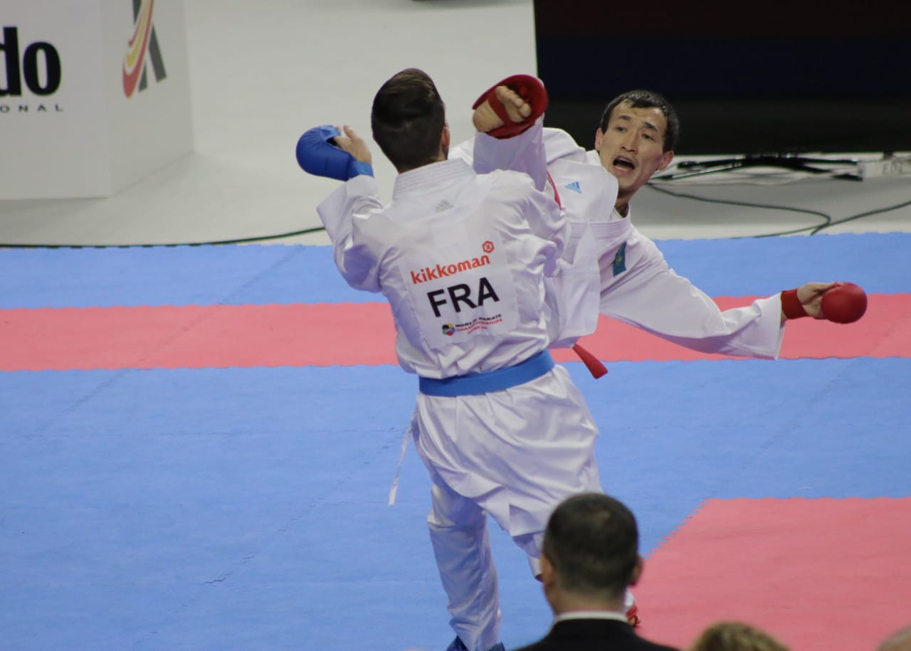 Дархан Асадилов вышел в финал международного турнира по каратэ в Австрии