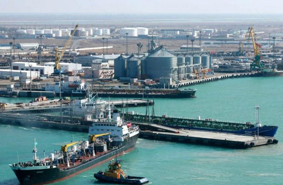 Морской порт Актау лишён международного статуса