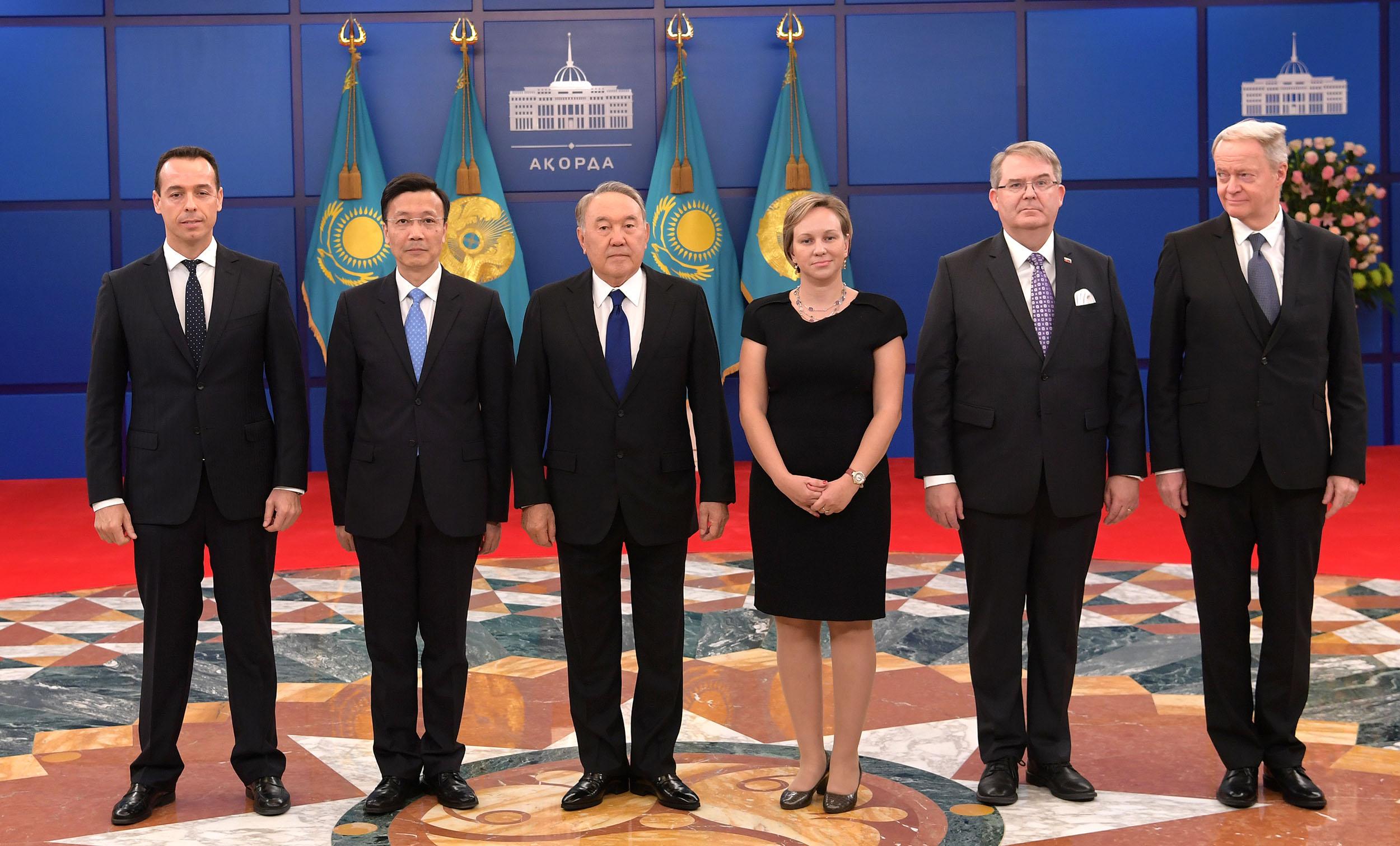 Противостоять глобальным кризисам без взаимного доверия невозможно – Назарбаев