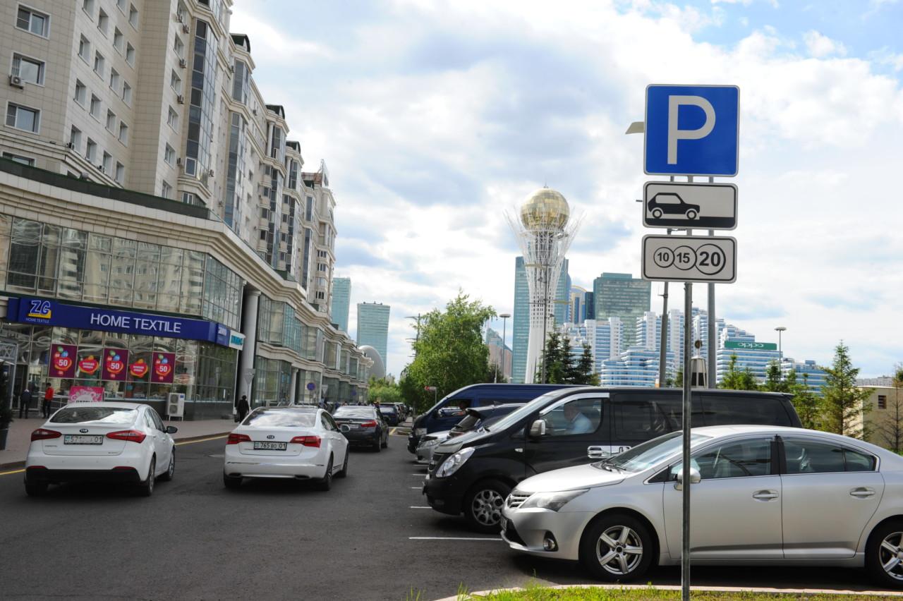 На 30 млн тенге оштрафовали астанчан за неуплату парковки