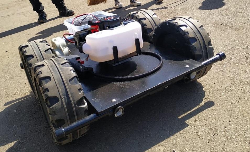 «Бастаудың» түлегі көгал шабатын робот ойлап тапты